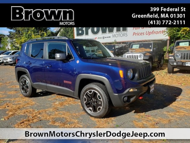 Used 2016 Jeep Renegade Trailhawk 4x4 SUV near Amherst
