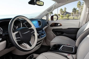 2017 Chrysler Pacifica cabin