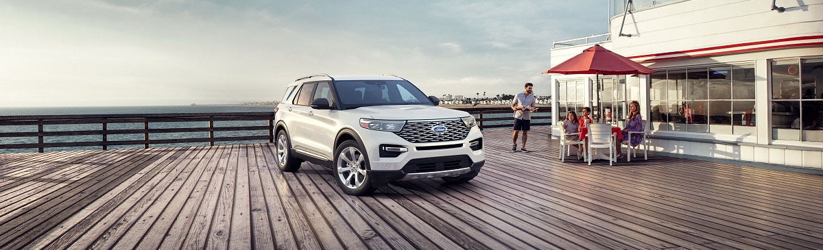 New Ford Explorer near Manchester IA