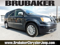 Buy a used 2014 Chrysler Town & Country in Lancaster