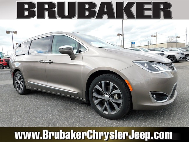 2017 Chrysler Pacifica Limited Limited FWD