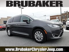 Buy a 2018 Chrysler Pacifica Touring L Touring L FWD in Lancaster