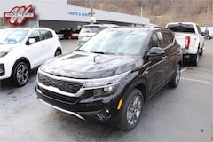 New 2021 Kia Seltos S SUV KNDEUCAA8M7177041 KT1775 for sale in Pikeville