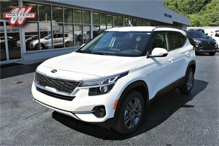 New 2021 Kia Seltos S SUV KNDEUCAA0M7085177 KT1683 for sale in Pikeville KY