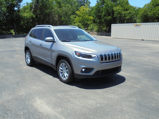 new 2019 Jeep Cherokee LATITUDE FWD Sport Utility in Stephenville TX