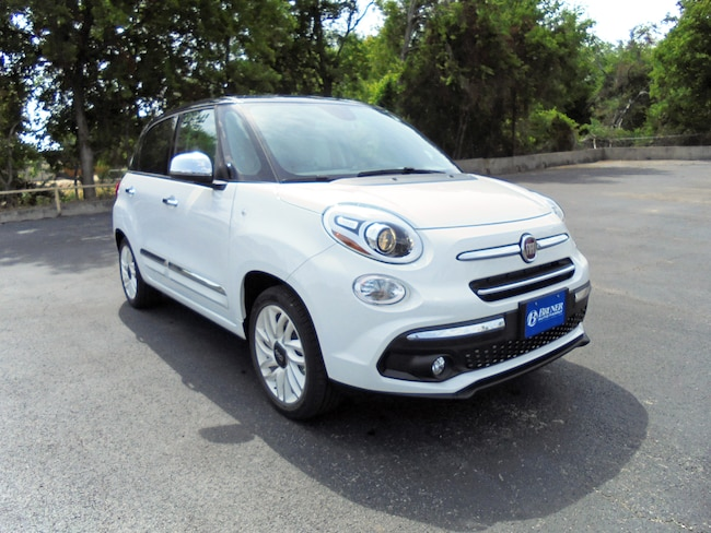 new 2018 FIAT 500L LOUNGE Hatchback in Stephenville TX
