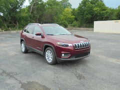 2019 Jeep Cherokee LATITUDE FWD Sport Utility 1C4PJLCB0KD428558 For Sale in Stephenville