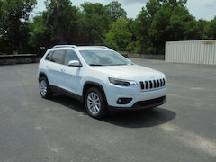 2019 Jeep Cherokee LATITUDE FWD Sport Utility 1C4PJLCB4KD428496 For Sale in Stephenville