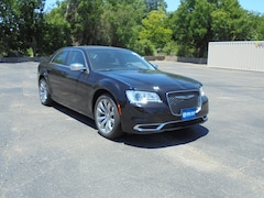 2019 Chrysler 300 TOURING Sedan 2C3CCAAG8KH613637