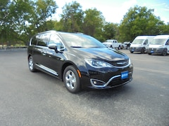 2018 Chrysler Pacifica Hybrid LIMITED Passenger Van 2C4RC1N75JR359118