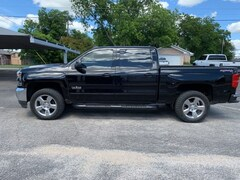 Used 2017 Chevrolet Silverado 1500 LT 4WD Crew Cab 143.5 LT w/1LT 3GCUKRECXHG419287 For Sale in Stephenville, TX