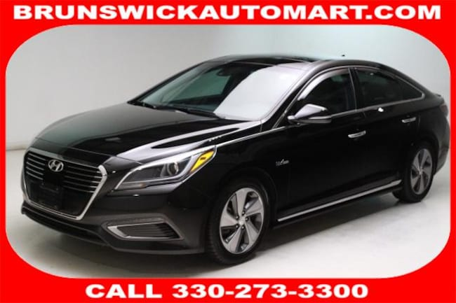 Used 2016 Hyundai Sonata Hybrid 4dr Sdn Limited Sedan for sale in the Brunswick, OH