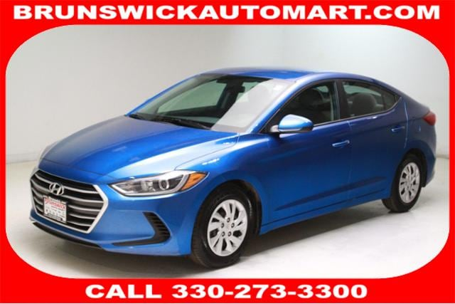 Featured Pre-Owned 2018 Hyundai Elantra SE 2.0L Auto Sedan for sale near you in Brunswick, OH