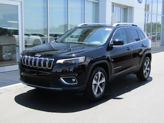 New 2019 Jeep Cherokee LIMITED 4X4 Sport Utility J191448 for sale near you in Brunswick, OH