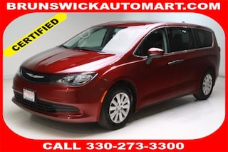 Certified Pre-Owned 2018 Chrysler Pacifica L Van R10689 in Brunswick, OH