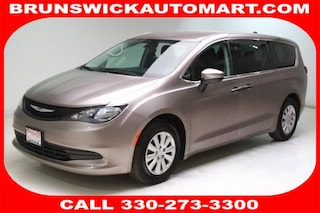Certified Pre-Owned 2018 Chrysler Pacifica L Van R10691 in Brunswick, OH