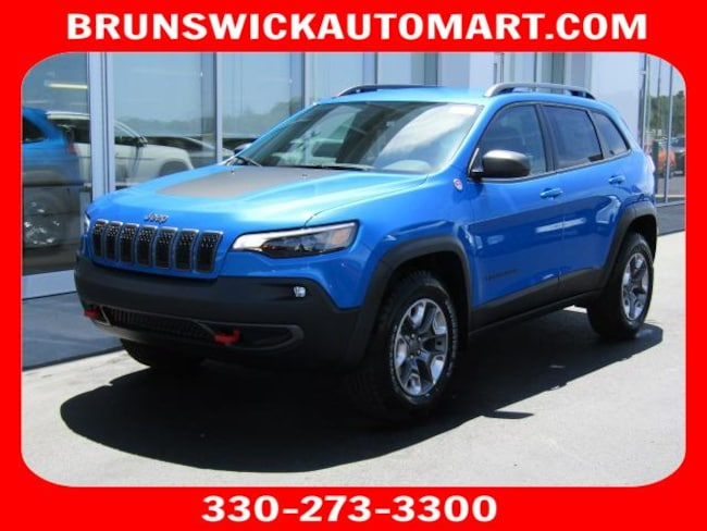 New 2019 Jeep Cherokee TRAILHAWK ELITE 4X4 Sport Utility for sale in the Brunswick, OH