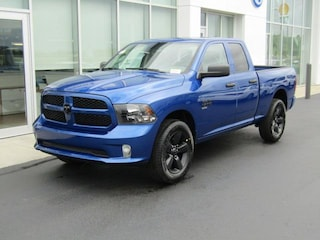New 2019 Ram 1500 CLASSIC EXPRESS CREW CAB 4X4 5'7 BOX Crew Cab D190204 for sale near you in Brunswick, OH