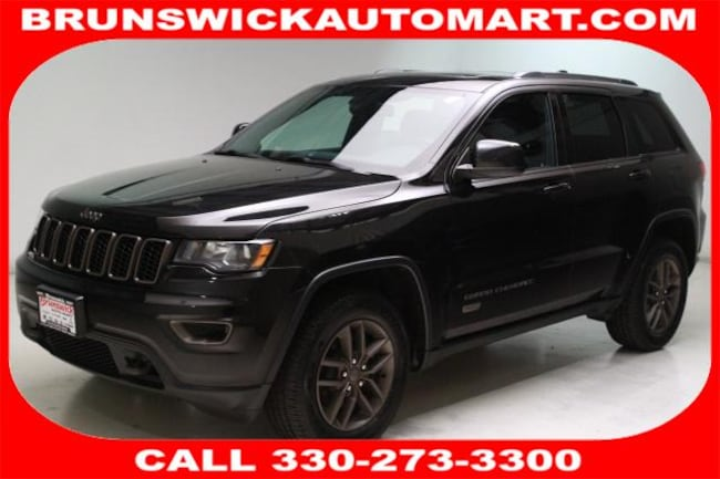Used 2016 Jeep Grand Cherokee Laredo 4x4 SUV for sale in the Brunswick, OH