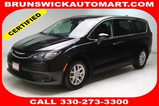 Used 2017 Chrysler Pacifica LX Van 2C4RC1CG0HR503025 J190363A in Brunswick, OH
