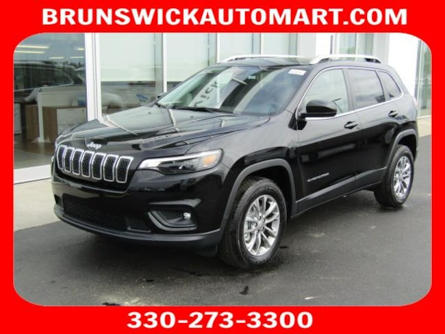 New 2019 Jeep Cherokee LATITUDE PLUS 4X4 Sport Utility for sale in the Brunswick, OH