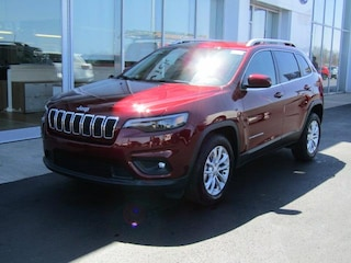 New 2019 Jeep Cherokee LATITUDE FWD Sport Utility J191782 for sale near you in Brunswick, OH