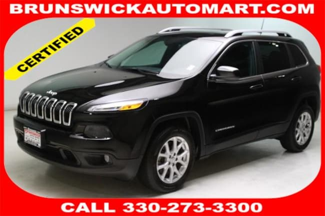 Used 2017 Jeep Cherokee Latitude FWD SUV for sale in the Brunswick, OH