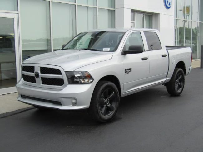 New 2019 Ram 1500 CLASSIC EXPRESS CREW CAB 4X4 5'7 BOX Crew Cab for sale in the Brunswick, OH