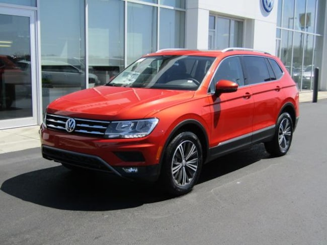 New 2019 Volkswagen Tiguan 2.0T SEL 4MOTION SUV for sale in the Brunswick, OH