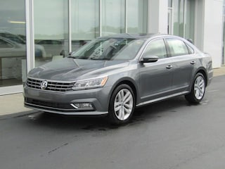 New 2018 Volkswagen Passat 2.0T SEL Premium Sedan VW180557 in Brunswick, OH