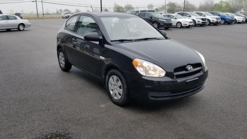 Used 2009 Hyundai Accent GS Hyundai  Hatchback Front-Wheel Drive for sale in Bryan, OH
