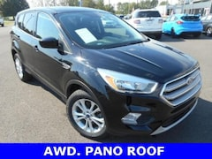 Used 2017 Ford Escape SE Ford  SUV Four-Wheel Drive with Locking and in Bryan, OH
