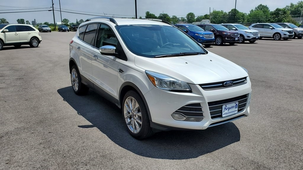 Used 2016 Ford Escape SE SUV for sale in Bryan, OH