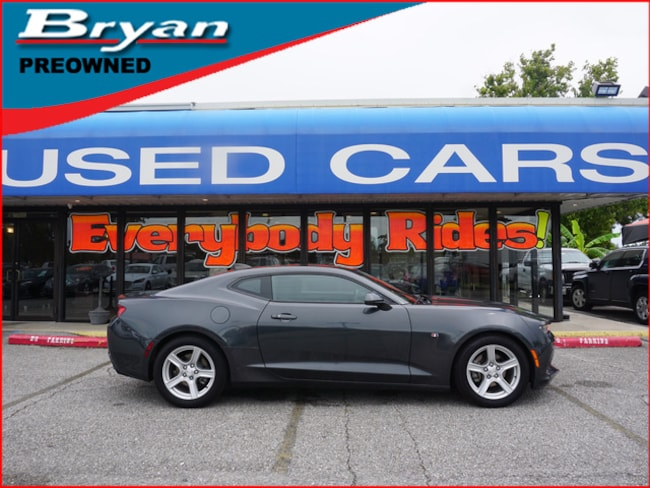 Used 2016 Chevrolet Camaro LT Coupe for sale in Metairie, Louisiana