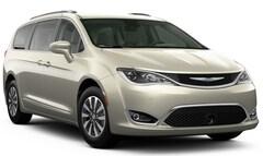 2020 Chrysler Pacifica TOURING L PLUS Passenger Van