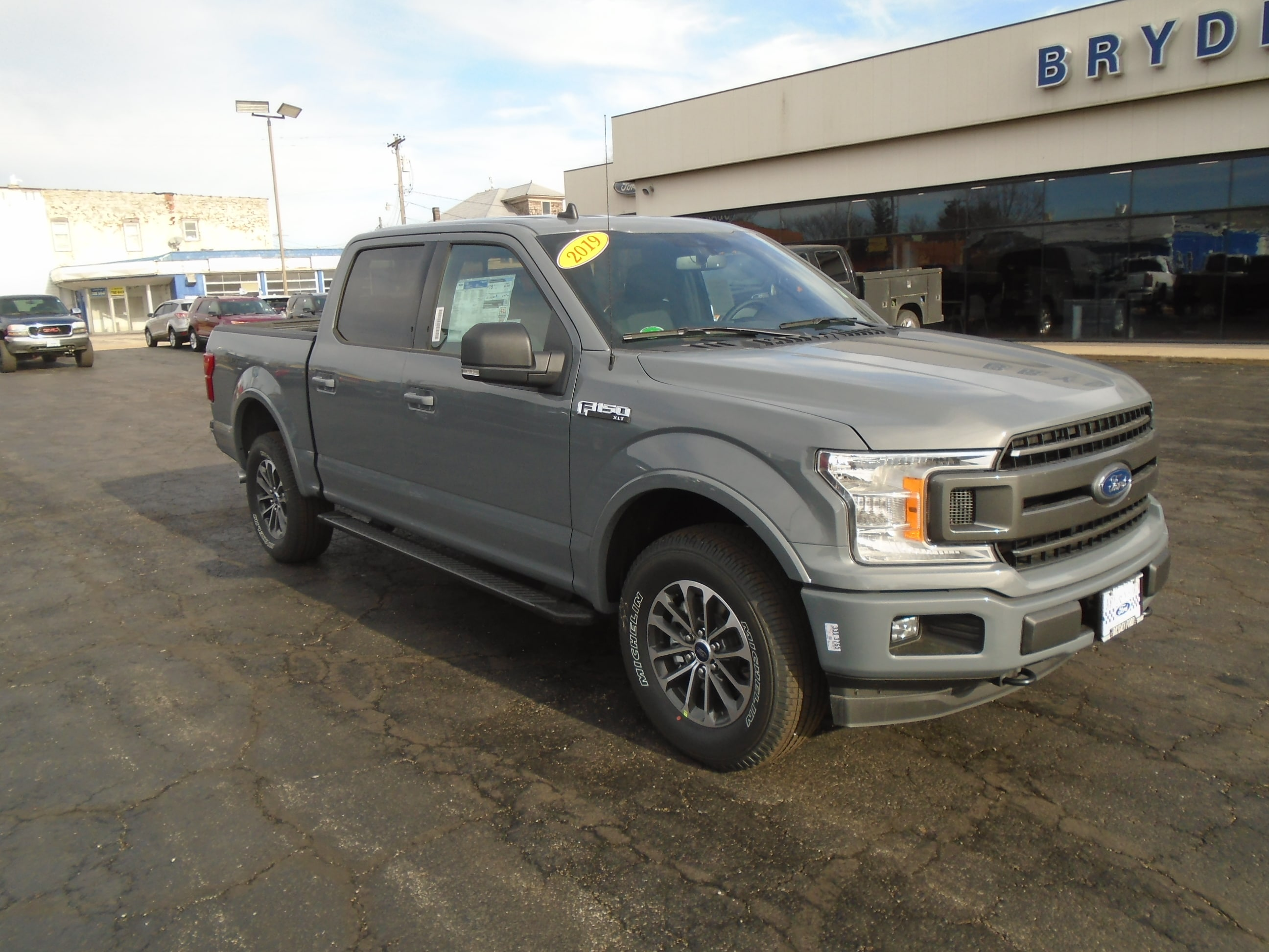 2019 Ford F150 SuperCrew XLT 4X4 5.5' Bed Truck