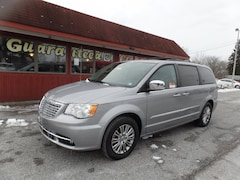 Used 2014 Chrysler Town & Country Van 2C4RC1CG1ER165081 for sale in Pocomoke, MD