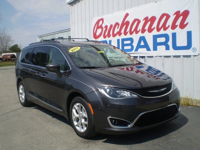 Used 2017 Chrysler Pacifica Touring-L FWD Touring-L  Mini-Van for sale in Pocomoke, MD