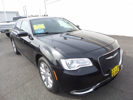 Featured Used 2018 Chrysler 300 Touring L Touring L AWD 2C3CCARG1JH269247 for Sale near Kelso, WA