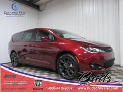 new 2020 Chrysler Pacifica TOURING Passenger Van for sale in Greenville OH