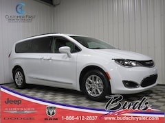 new 2020 Chrysler Pacifica TOURING L Passenger Van for sale in Greenville OH