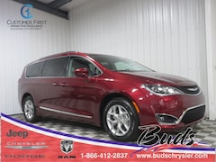 new 2019 Chrysler Pacifica Touring L Minivan/Van 2C4RC1BGXKR507219 for sale in Greenville OH