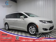 new 2020 Chrysler Pacifica 35TH ANNIVERSARY TOURING L PLUS Passenger Van for sale in Greenville OH