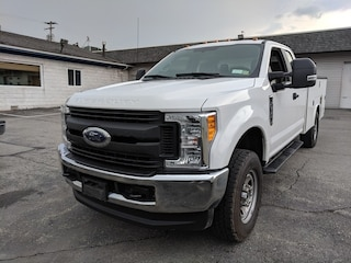 2017 Ford Super Duty F-350 SRW XL 4WD Supercab 168 WB 60 CA Extended Cab Chassis-Cab
