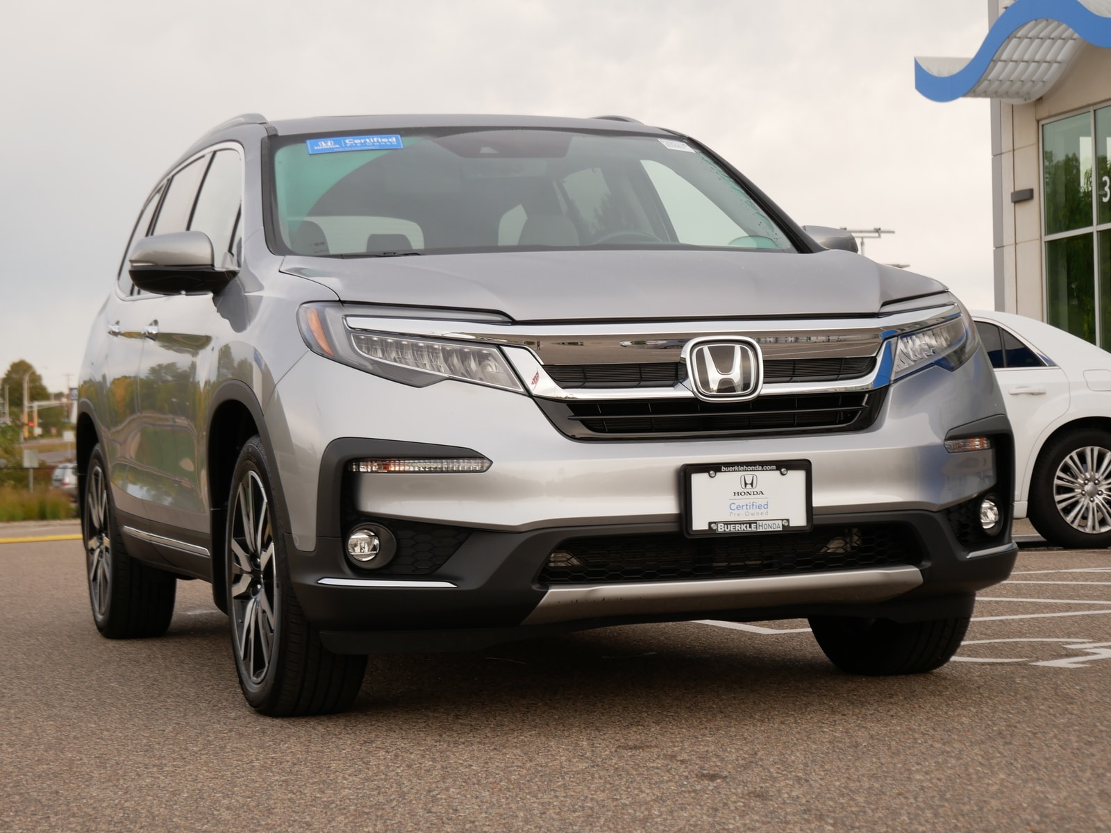 Certified 2019 Honda Pilot Touring with VIN 5FNYF6H9XKB079740 for sale in Saint Paul, Minnesota