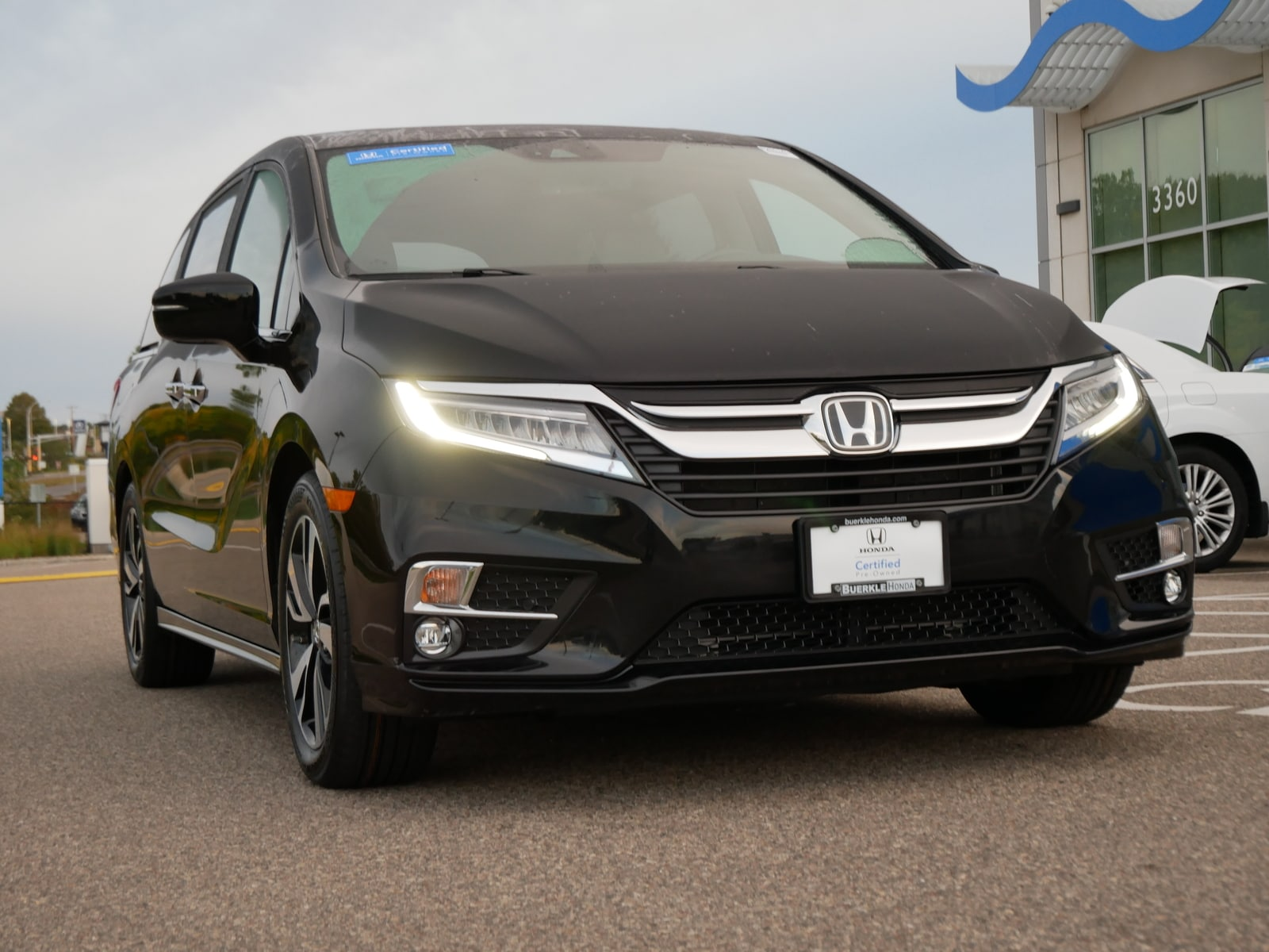 Certified 2018 Honda Odyssey Elite with VIN 5FNRL6H99JB092751 for sale in Saint Paul, Minnesota