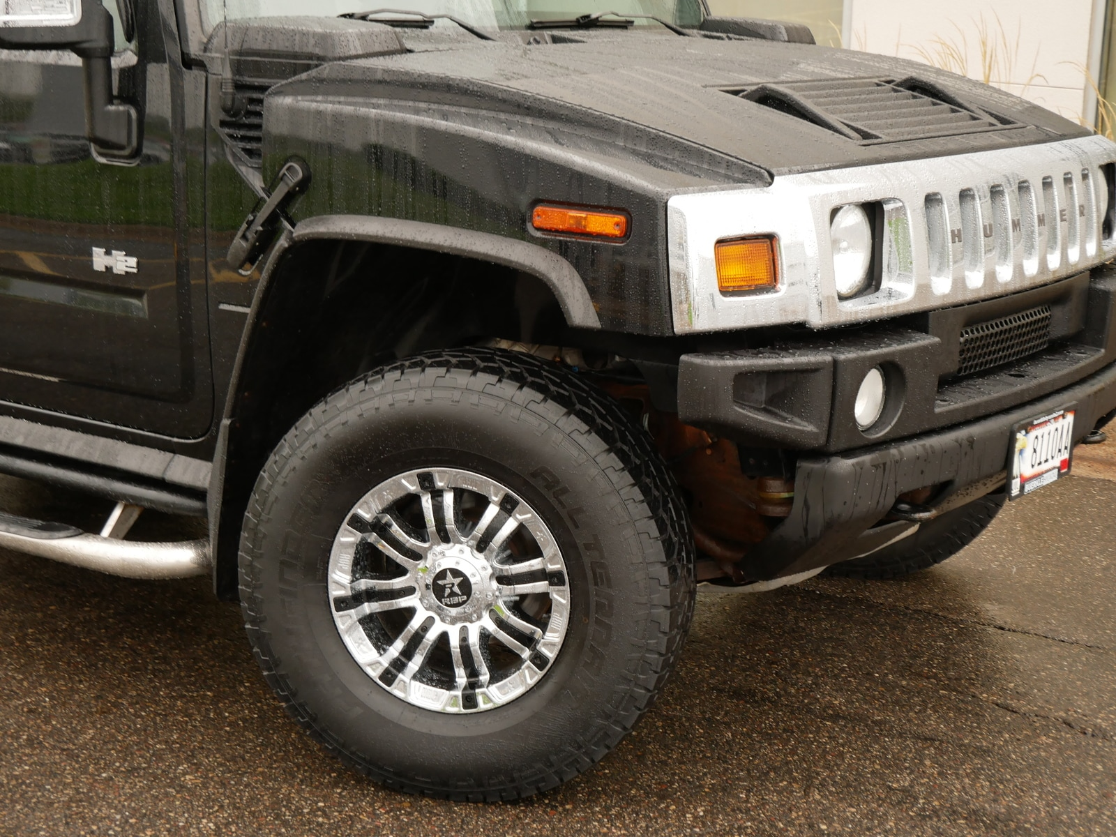 Used 2005 Hummer H2  with VIN 5GRGN23U15H121797 for sale in Saint Paul, Minnesota