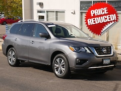 Used 2019 Nissan Pathfinder SUV 5N1DR2MM8KC607180 for sale in St Paul, MN at Buerkle Hyundai