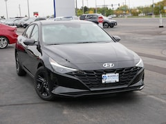 2022 Hyundai Elantra SEL Sedan for Sale in St Paul, MN at Buerkle Hyundai