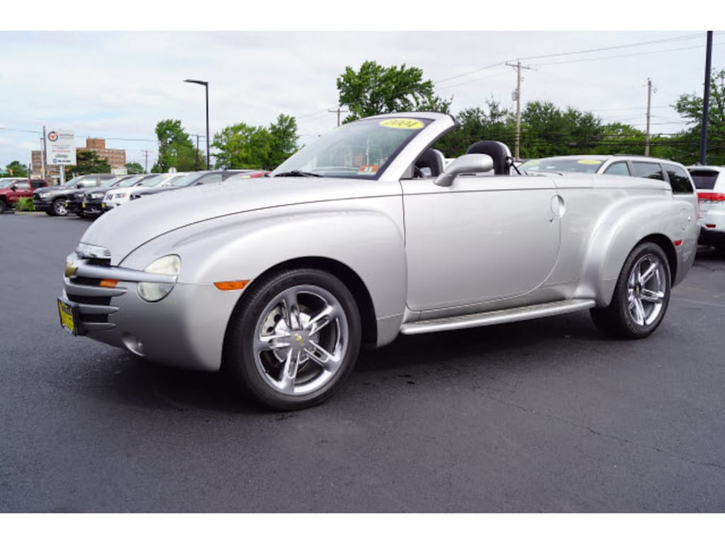 Used 2004 Chevrolet SSR Base For Sale in Hazlet NJ | 1GCES14P74B103925